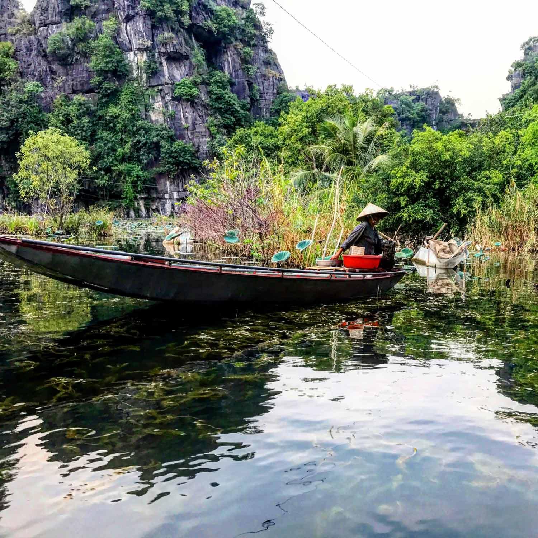 Tam Coc Fishing Lady