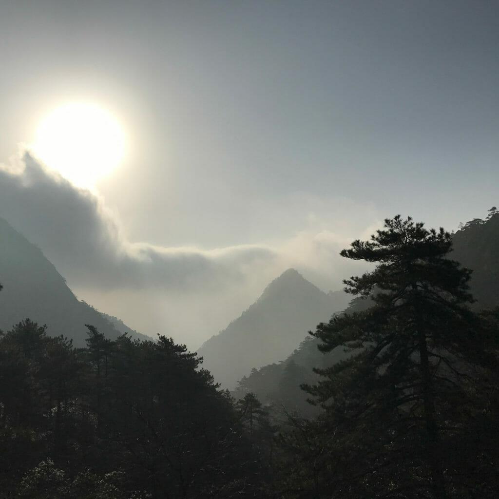 Huang-Shan-Kabelbaan-Wolken-2