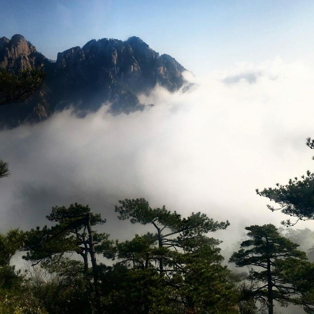 Huang-Shan-Kabelbaan-Wolken-3