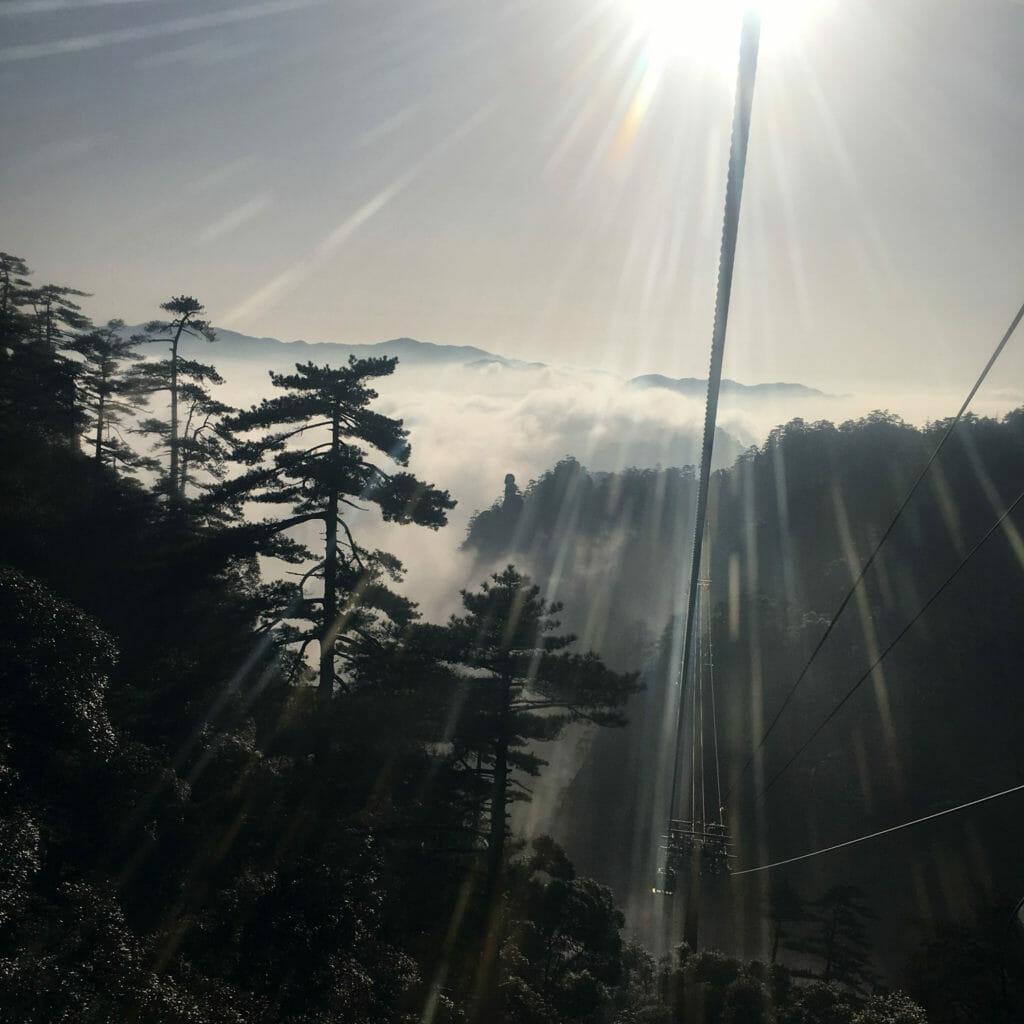 Huang-Shan-Kabelbaan-Wolken-4