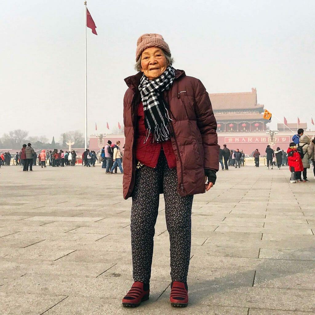Beijing-Vrouwtje-Tiananmenplein