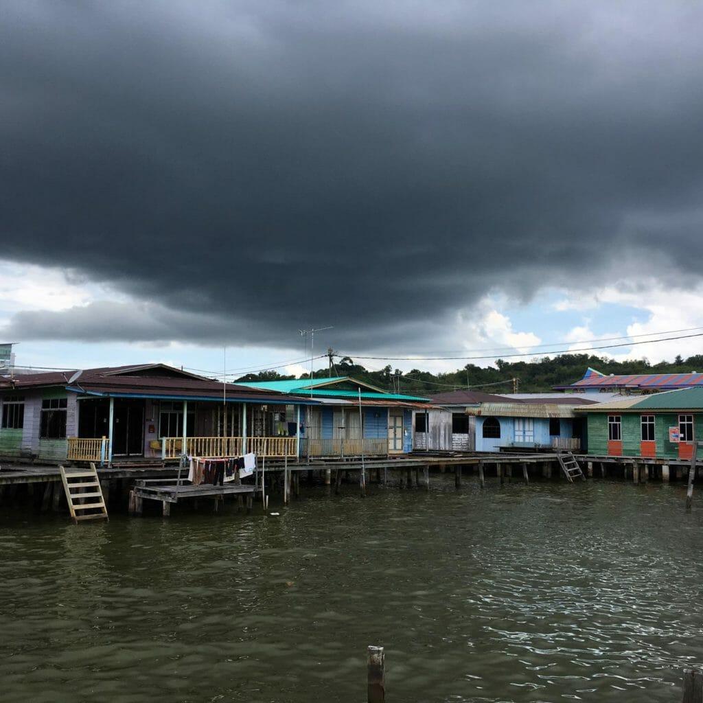 Brunei-Kampong-02